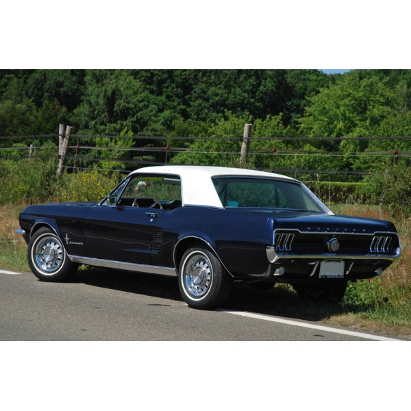location auto retro collection ford mustang coup 1967. Black Bedroom Furniture Sets. Home Design Ideas