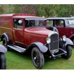 location auto retro collection citroen c4 fourgon 1932. Black Bedroom Furniture Sets. Home Design Ideas