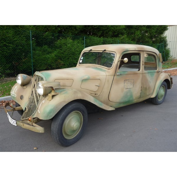 location auto retro collection citroen traction 7 c 1937 camoufler voiture r quisitionn s. Black Bedroom Furniture Sets. Home Design Ideas