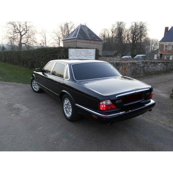location auto retro collection jaguar xj8 sport 2001 berline. Black Bedroom Furniture Sets. Home Design Ideas