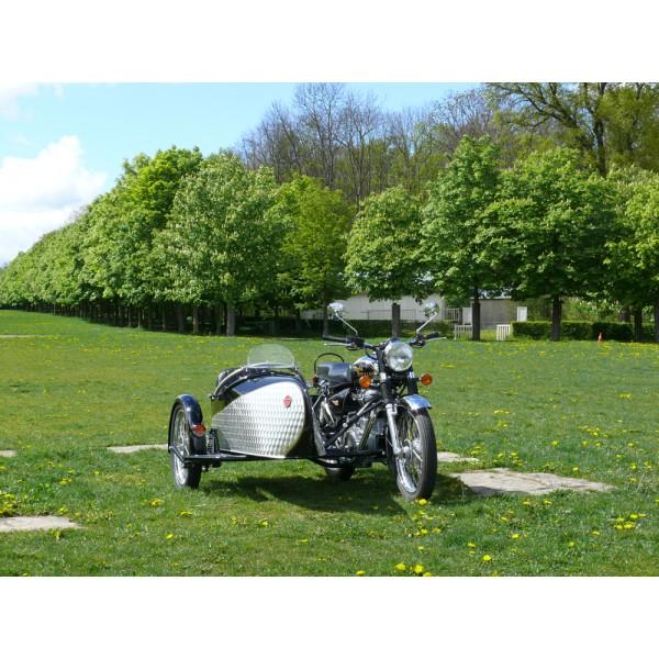 location auto retro collection moto side car royal enfield. Black Bedroom Furniture Sets. Home Design Ideas