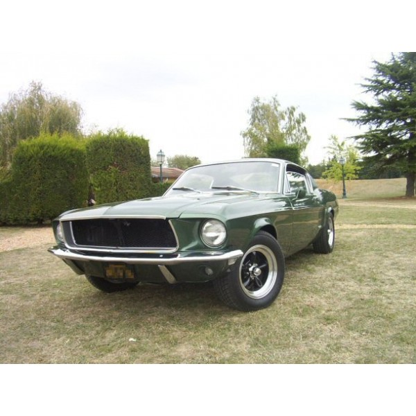 location auto retro collection ford mustang fastback bullitt 1968. Black Bedroom Furniture Sets. Home Design Ideas