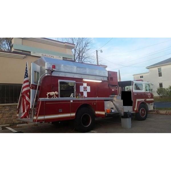 location auto retro collection camion de pompiers am ricain food truck. Black Bedroom Furniture Sets. Home Design Ideas