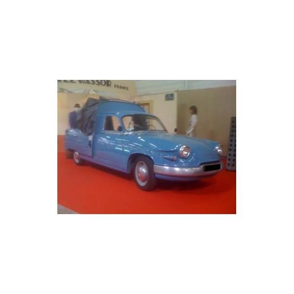 location auto retro collection panhard pl 17 a plateau bleu 1963. Black Bedroom Furniture Sets. Home Design Ideas
