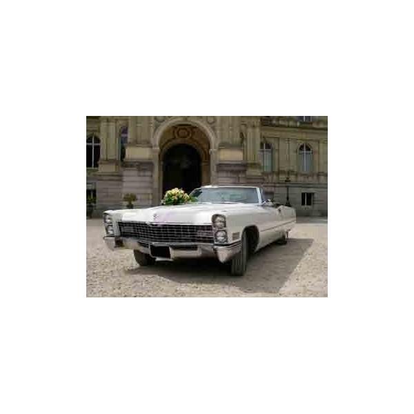 location auto retro collection cadillac cabriolet de ville 1967 blanc. Black Bedroom Furniture Sets. Home Design Ideas