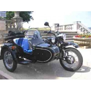 location auto retro collection side car ural 2004. Black Bedroom Furniture Sets. Home Design Ideas